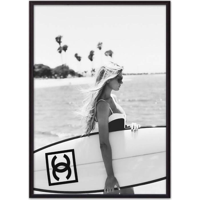 Постер в рамке Дом Корлеоне Серфингистка Chanel 30x40 см