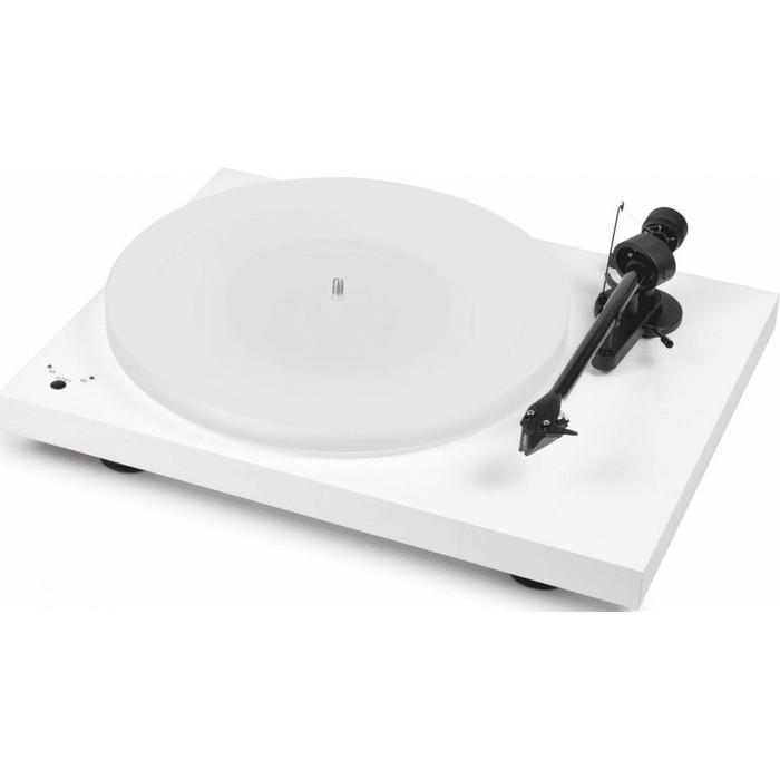 цена на Виниловый проигрыватель Pro-Ject DEBUT III DC ESPRIT WHITE OM10