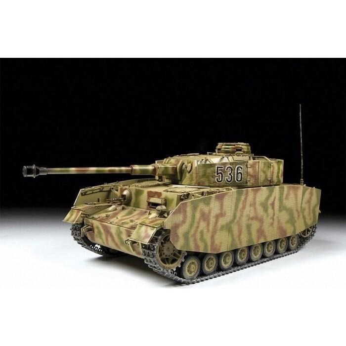 Сборная модель Звезда Немецкий средний танк T - IV (H), 1/35 ZV 3620