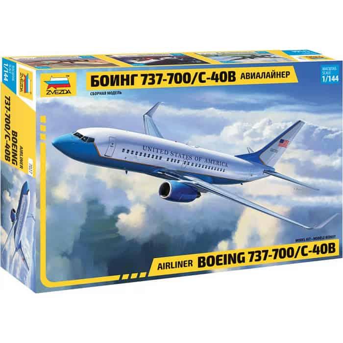 Сборная модель Звезда Пассажирский авиалайнер Боинг 737 - 700 С 40B, 1/144 ZV 7027