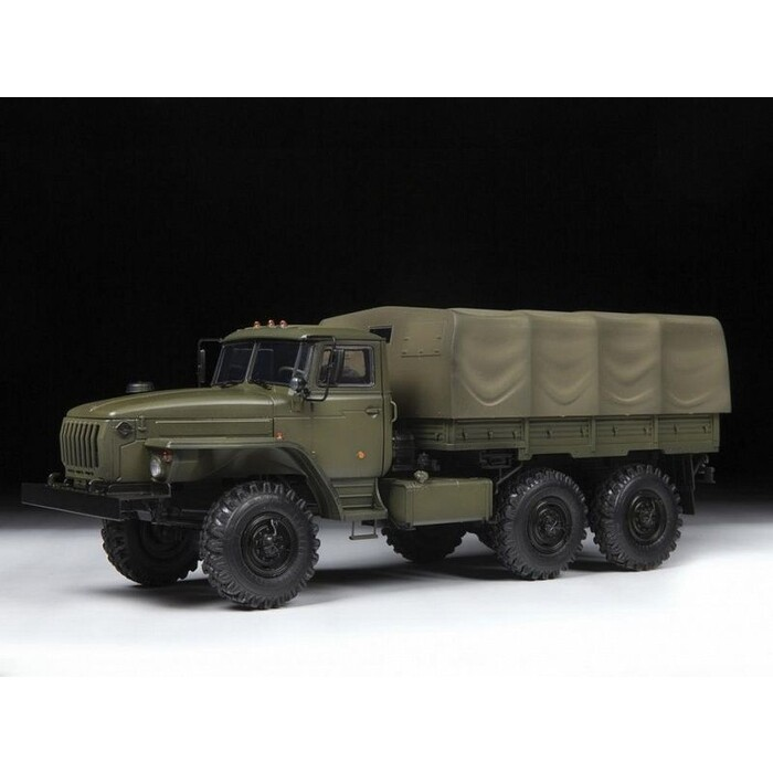 Сборная модель Звезда Российский армейский грузовик Урал - 4320, 1/35 ZV 3654