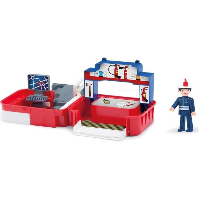 Игровой Набор EFKO пожарная станция с фигуркой пожарного в чемоданчике, (32218EF-CH)