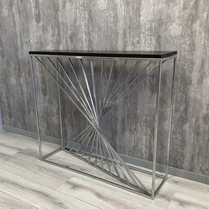 Напольная консоль Akur Loft Sidney металлокаркас хромированный декор черный