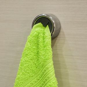 Вешалка Tatkraft BERA вешалка для полотенец, хромированный пластик, самоклеющаяся круглая