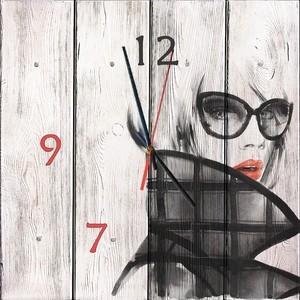 цена Настенные часы Дом Корлеоне Модница 50x50 см