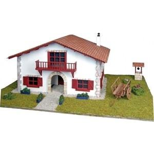 Сборная деревянная модель деревенского дома Artesania Latina Chalet kit de Caser?o con carro, 1/72