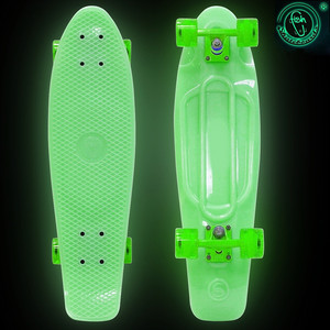 Скейтборд RT 402E-G Big Fishskateboard GLOW 27 винил 68,6х19 с сумкой GREEN/green