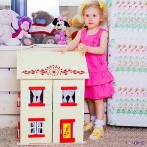 PAREMO Игрушечный кукольный домик София с 15 предметами мебели (PD115-02)