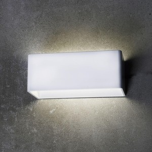 Уличный настенный светодиодный светильник Favourite 1997-1W настенный светильник favourite puzzle 2064 1w