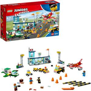 Конструктор Lego Джуниорс Городской аэропорт lego juniors 10731 конструктор лего джуниорс тачки гоночный тренажёр крус рамирес