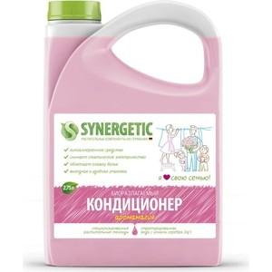 Кондиционер Synergetic для белья АРОМАГИЯ, канистра ПЭ, 2.75л