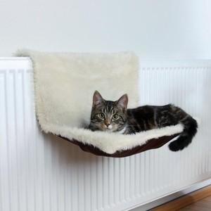 Лежанка TRIXIE подвесная на радиатор для кошек 45х26х31см (43141)