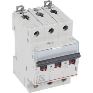 Выключатель автоматический модульный Legrand 3п C 25А 6кА DX3-E (407293) автоматический выключатель legrand dx3 e 6000 6ка тип c 3п 25а 407293
